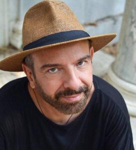 Ο ζωγράφος Νικόλαος Τσιαπάρας συνομιλεί με τη θεωρητικό τέχνης Δρ. Σάνια Παπά